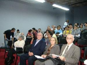 Caracas, VIII Congreso de la ADHILAC, 2005, Jorge Núñez junto a Arturo Roig y su esposa Irma uo y yo.
