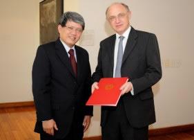 embajador_vietnam